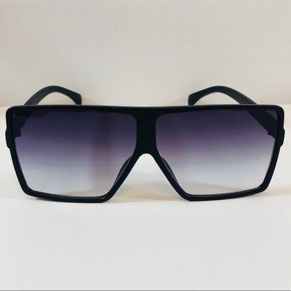 8136141808 Black Oversize Square Sunglasses Boutique
